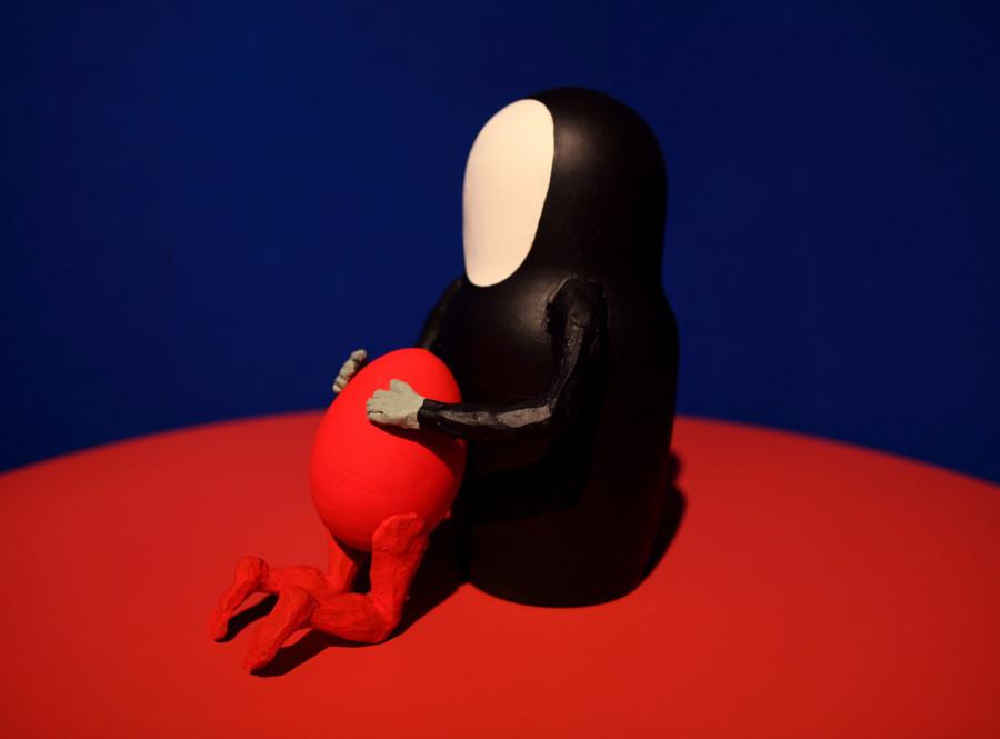 Леонид Тишков,Возвращение блудного сына,деревянное яйцо и матрешка,акрил, глина, 2011_блог