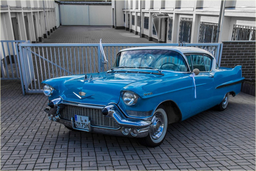Cadillac-a30681137