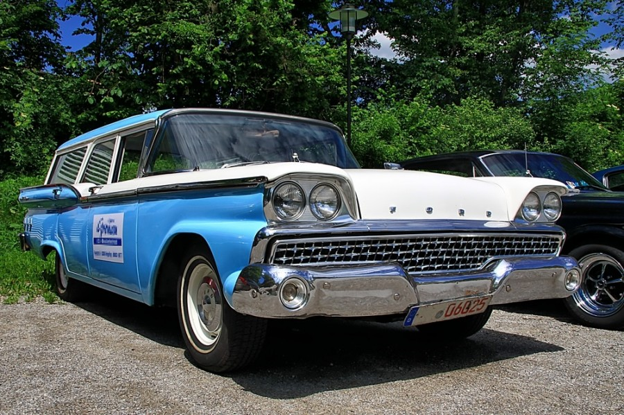 59-Ford-Fairlane-Station-Wagon-a31433327