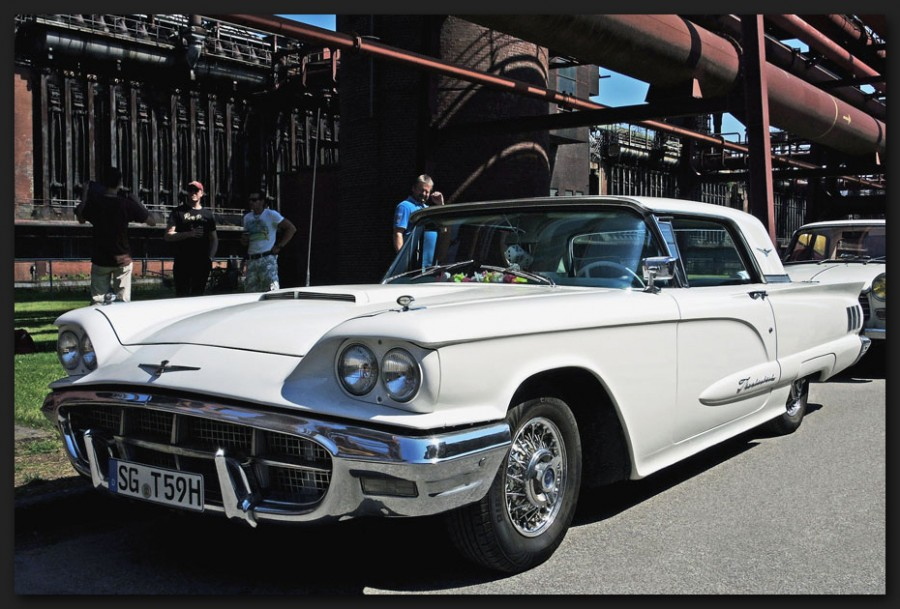 Ford-Thunderbird-a31632452