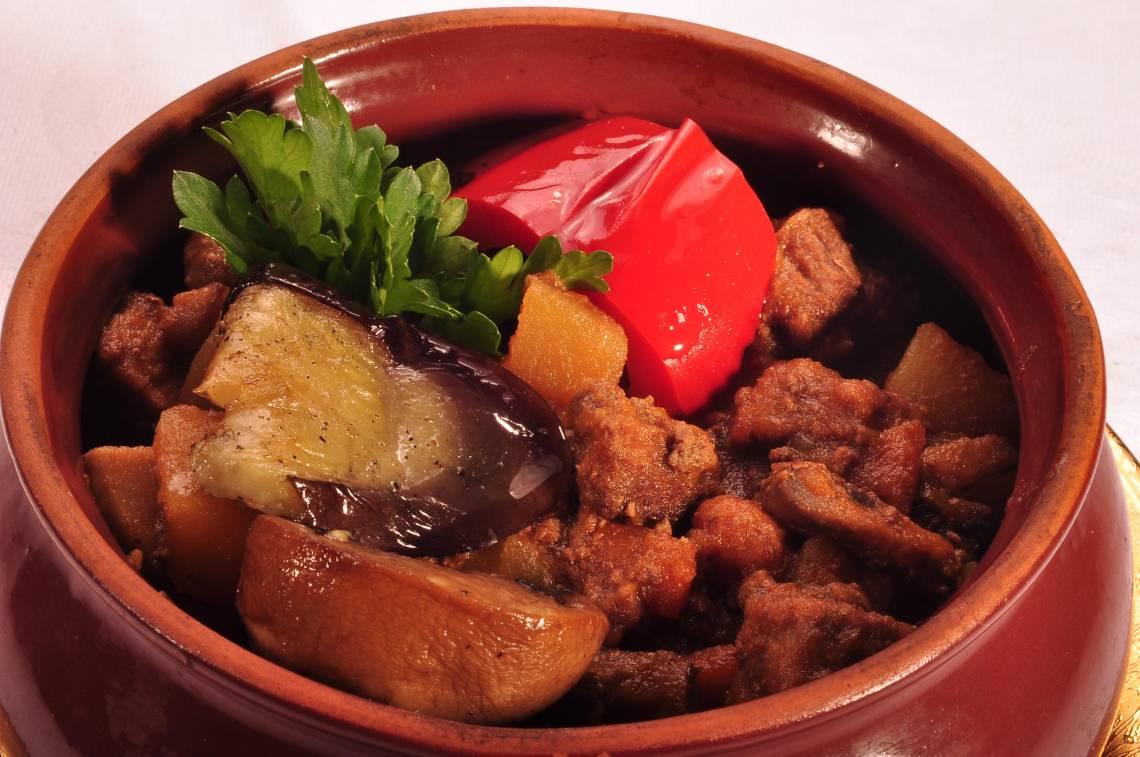 Чанахи с говядиной в горшочках рецепт