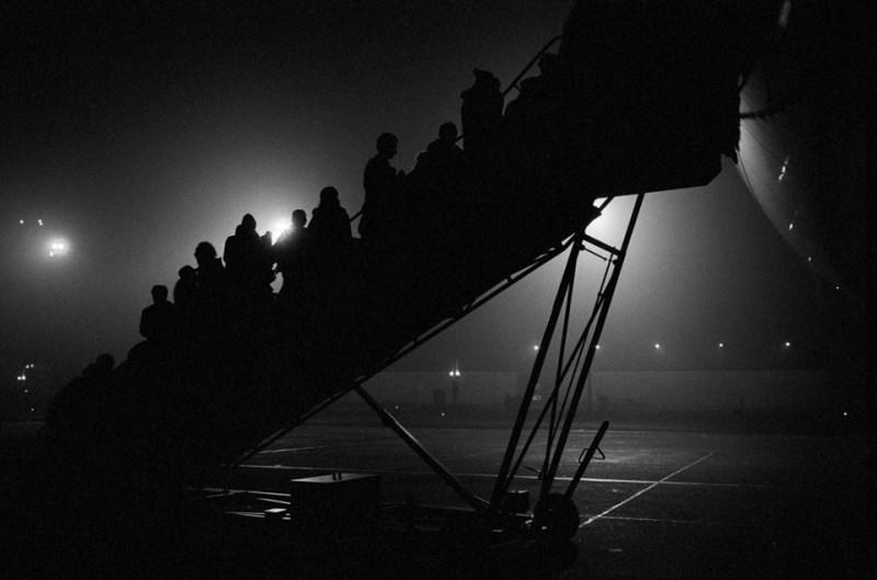 1990 Bp Ferihegy, orosz zsidók repülőbe szállnak be