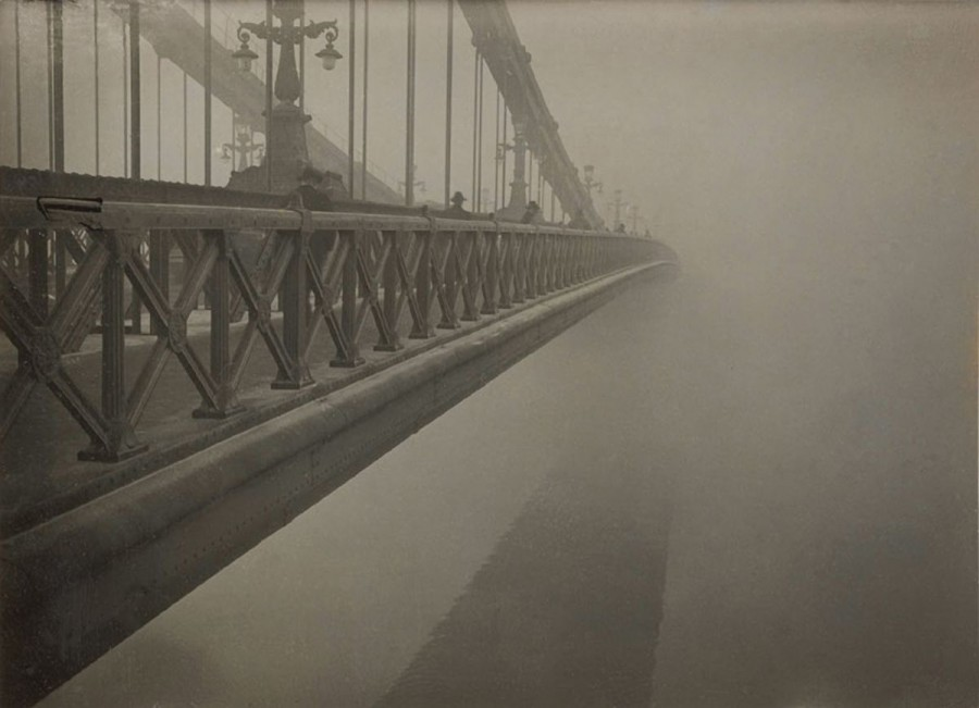 Kinszki_Imre_Bridge_and_Fog