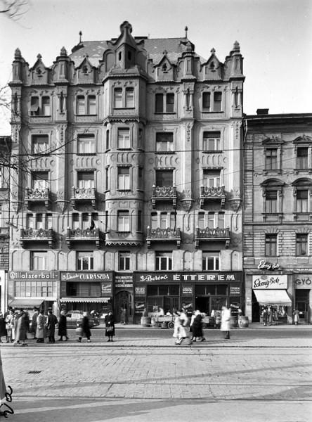 Baross_tér_15.,_1957_Budapest_-_Fortepan_102775