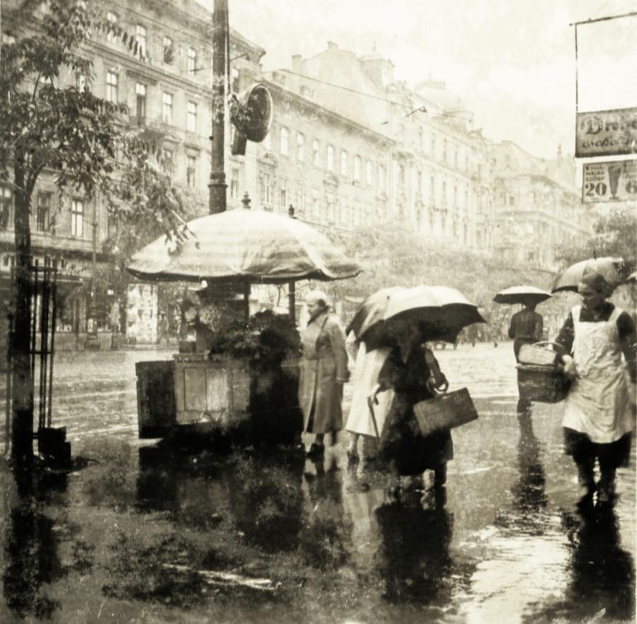 1935. Magyarország, Budapest V., Budapest XIII. Szent István körút a Visegrádi utca saroktól a Szemere utca felé nézve.