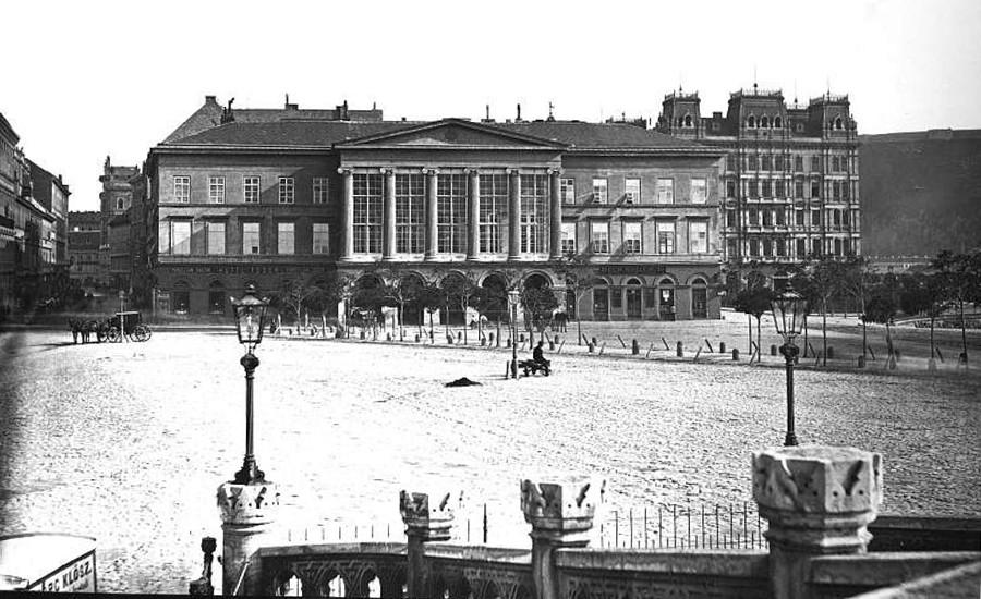 яbudapest-v-kerulet-lloyd-palota-a