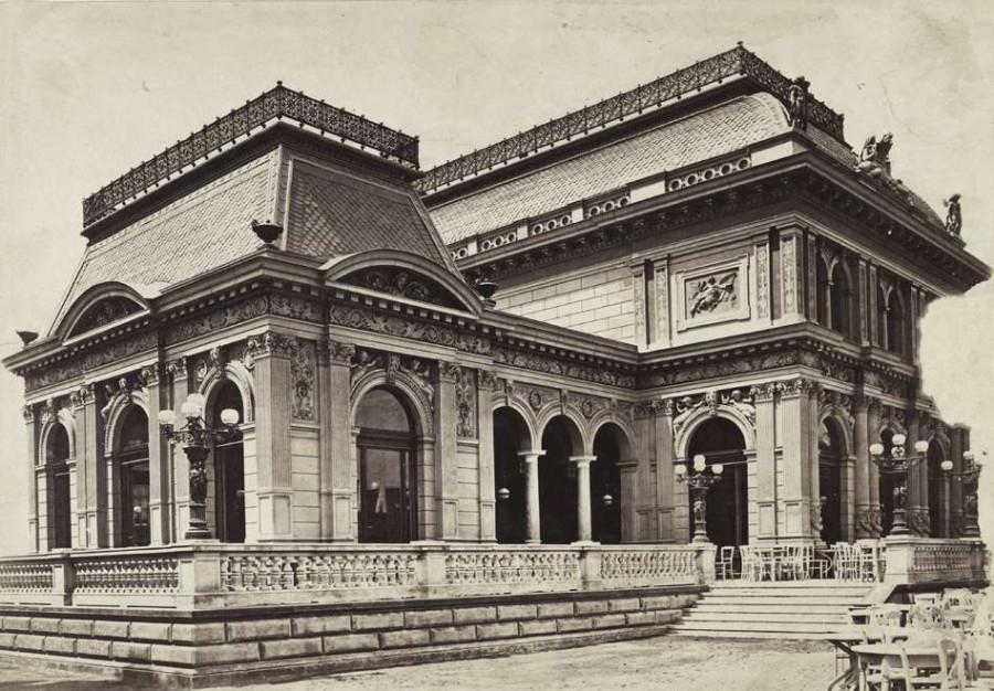 Erzsébet tér, a Kioszk épülete. A felvétel 1880-1890 között készült.