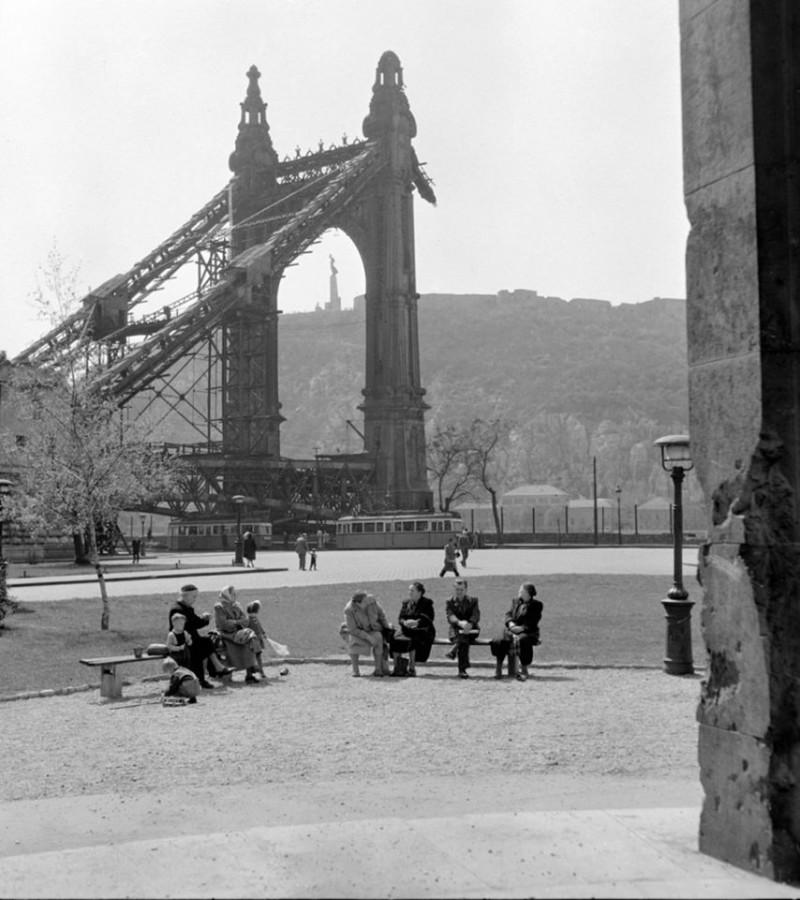 Budapest, 1957. április 9.
