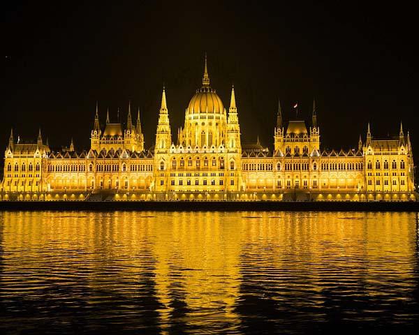 84652-orszaghaz---magyar-parlament-kivilagitva