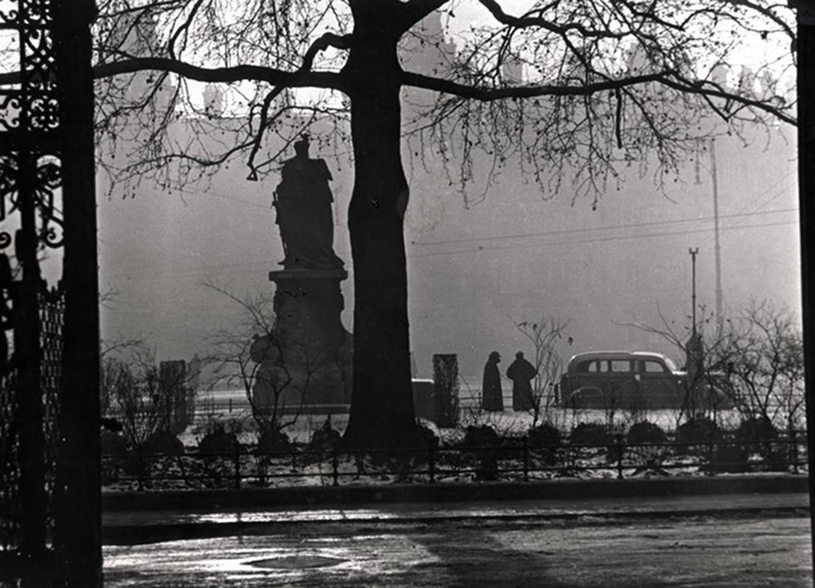 1938. Magyarország, Budapest VI. Kodály körönd (Körönd), Bethlen Gábor szobra (fj. Vastagh György, 1902.).