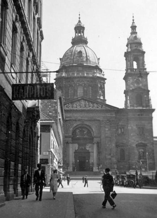 1934. Magyarország, Budapest V. Szent István-bazilika (Ybl Miklós, 1906.) a Zrínyi utcából nézve.