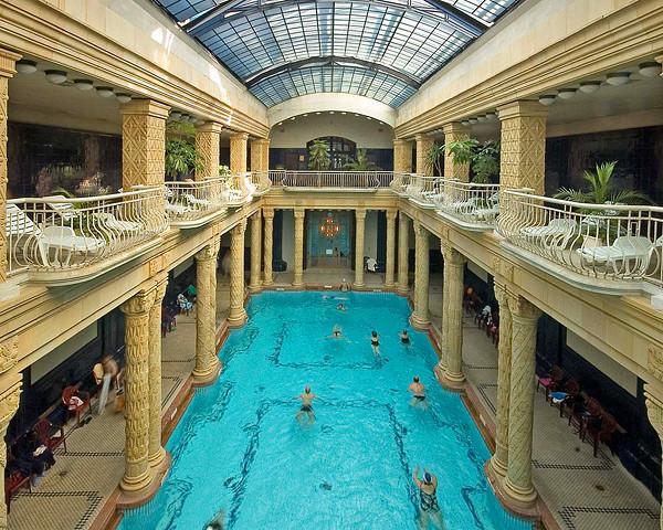 Gellert_indoor_swimpool