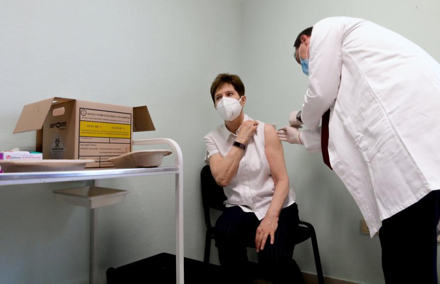 oltas-vakcina-koronavirus-budapest-mti-422002