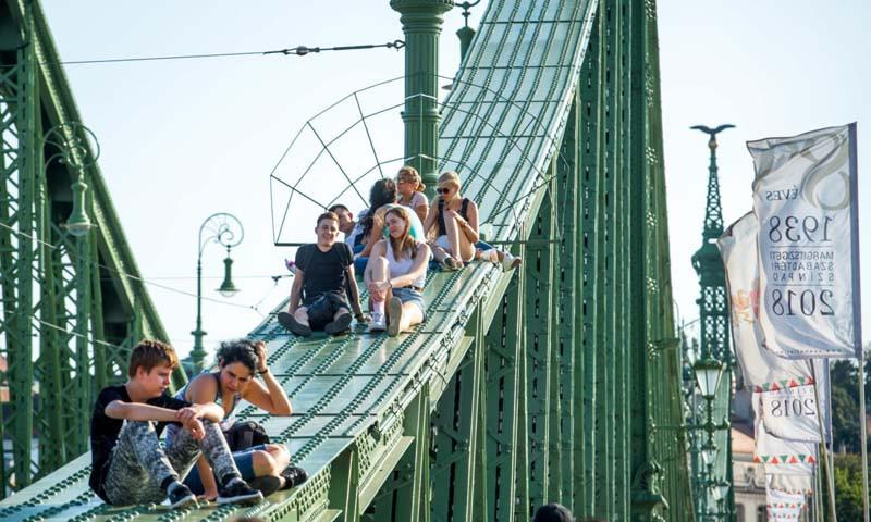 első-Szabihíd-hétvége-amikor-a-gyalogosoké-lesz-a-Szabadság-híd_01_KB-1280x853