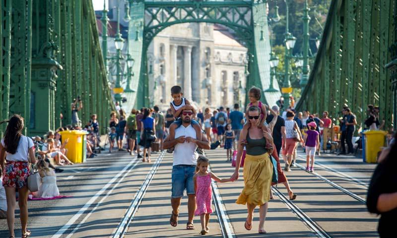 első-Szabihíd-hétvége-amikor-a-gyalogosoké-lesz-a-Szabadság-híd_02_KB-1280x853