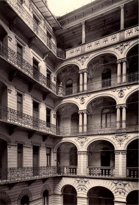 Budapest-Első Leánykiházasítási Egylet palotája.Teréz körút 40-42.(Az épület már nem létezik) 1890-es évek.