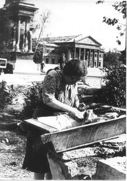6.Mosónő-a-Városligetben,-1945-uj