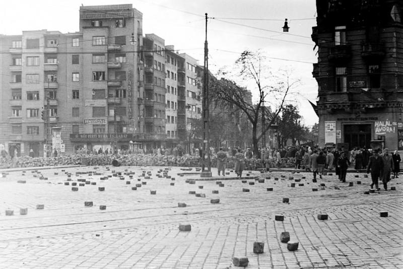 1956. Magyarország, Budapest XI. Móricz Zsigmond körtér, szemben a Bartók Béla út.
