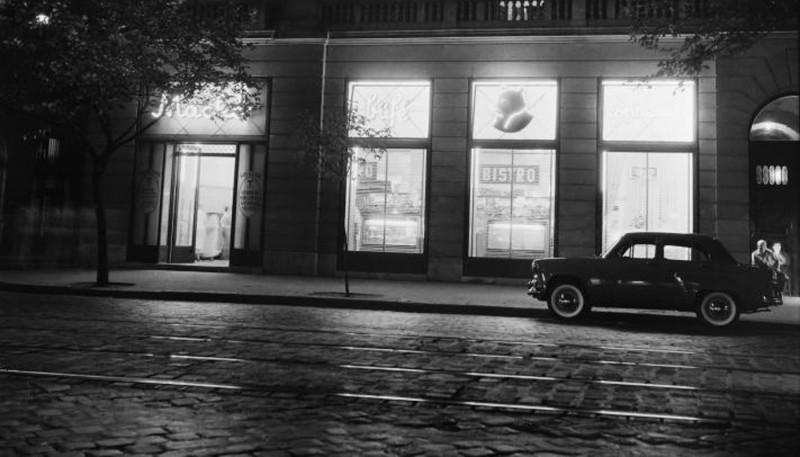 1959. Magyarország, Budapest VIII. Rákóczi út 9., Puskin utca sarok, Mackó büfé.