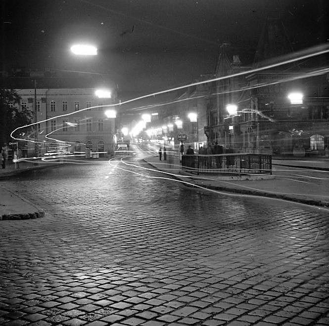 1969. Magyarország, Budapest V., Budapest IX. Fővám (Dimitrov) tér, jobbra a Központi Vásárcsarnok.