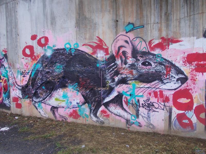 граффити на выходе из города