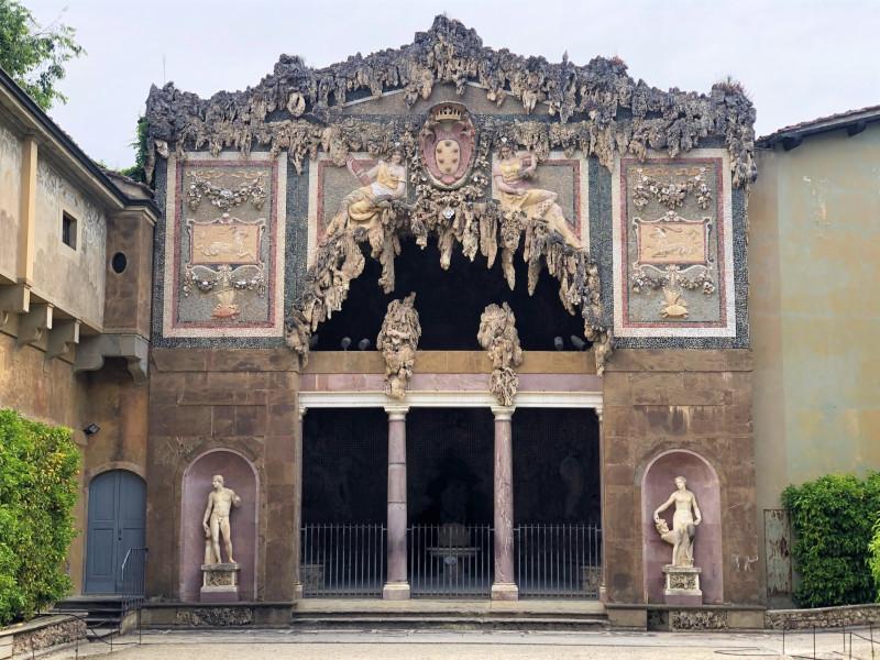 Grotta del Buontalenti, грот Буонталенти, по имени создавшего его скульптора