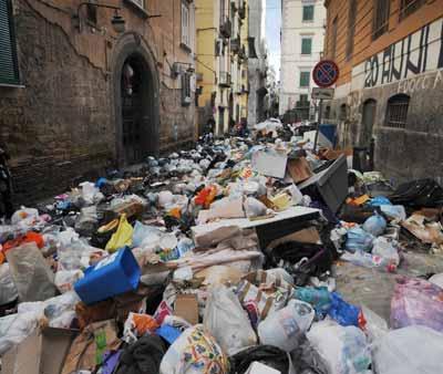 Мусорный кризис в Неаполе