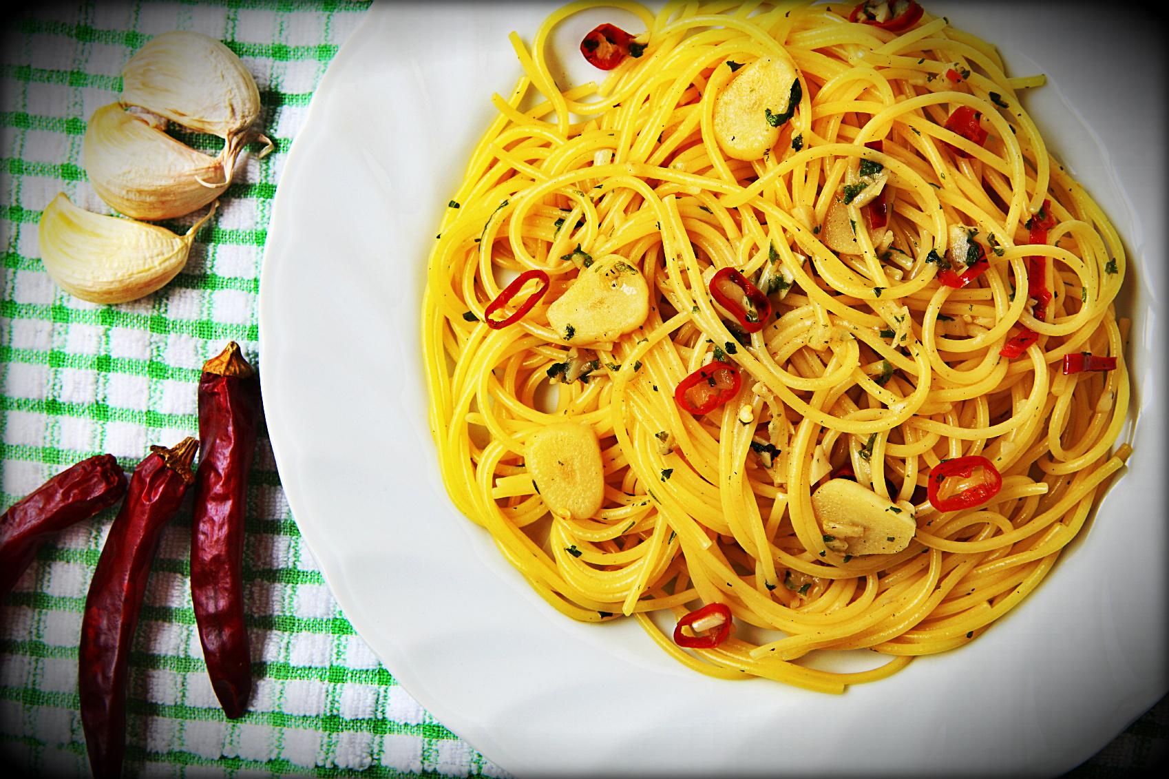 pasta_aglio_olio_e_peperoncino_filtr_2
