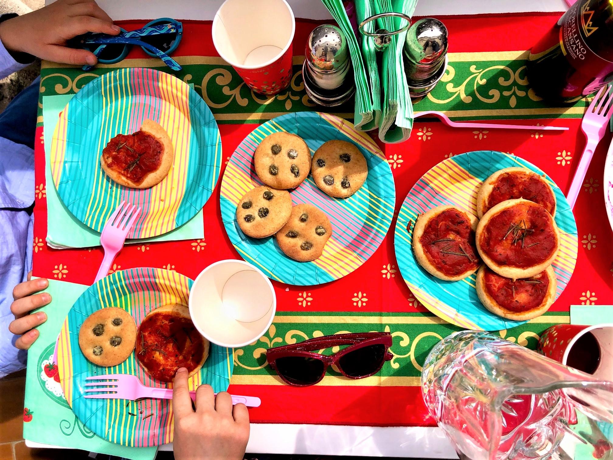Итальянские мини-пиццы для маленьких гурманов и кулинаров
