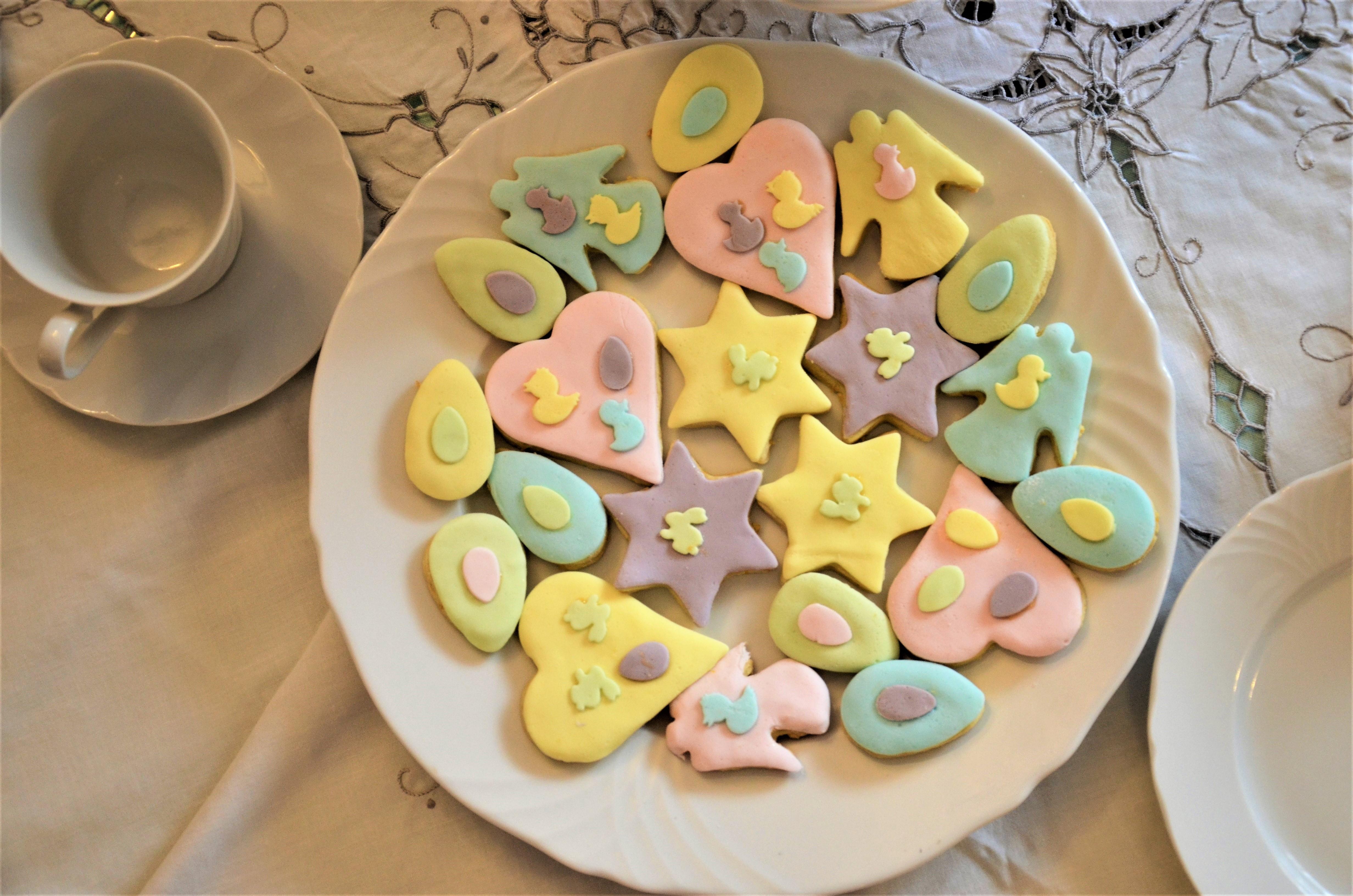 Печенья с детьми и глазурью