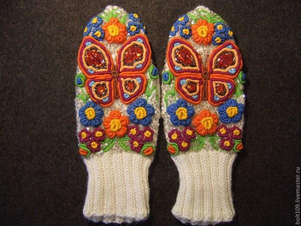 рукавички с бабочками