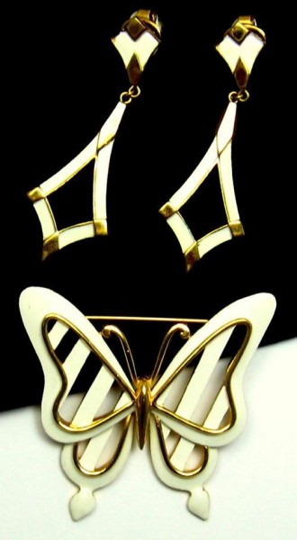 Chic-Vintage-TRIFARI-Stylized-Butterfly-Set-Brooch-Pin
