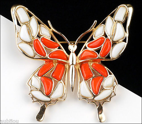 VINTAGE-TRIFARI-FIGURAL-WHITE-ORANGE-MOSAIC-GLASS-BUTTERFLY