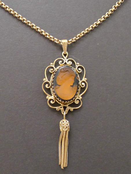 Vintage-Whiting-Davis-Glass-Cameo-Filigree-Tassel-Necklace