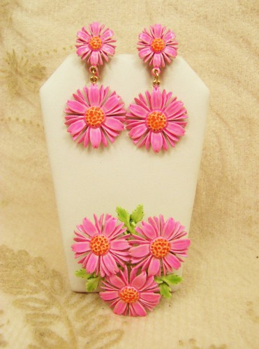 made_by_art_vintage_brooch_pin_earring_demi_hot_pink_daisy_flower_cd73548c