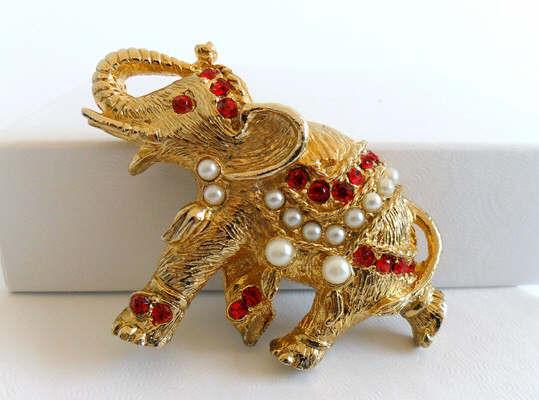 elephantpin1