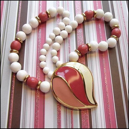 napier-vintage-necklace-pink-paisley-pendant-11