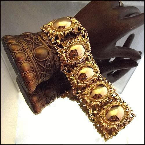 napier-vintage-wide-gold-bracelet-1_i2