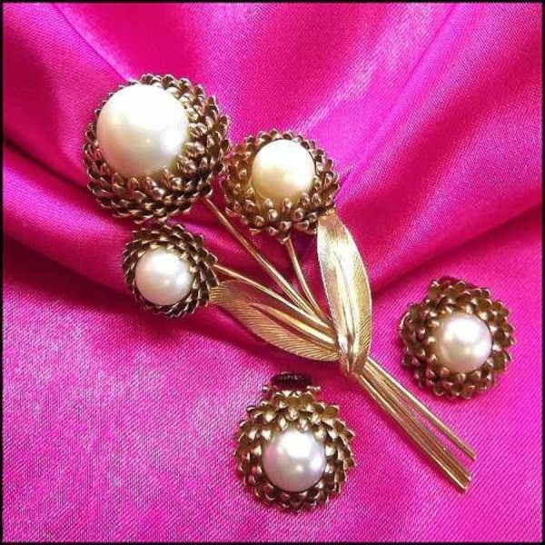 trifari-vintage-jewelry-gold-pearl-pin-earrings-1_i3