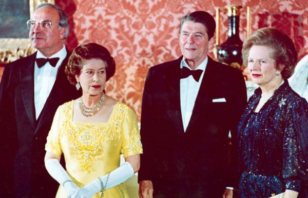 كان-البروتوكول-يفرض-عليها-التقليل-من-المجوهرات-بحضور-الملكة-إليزابيث