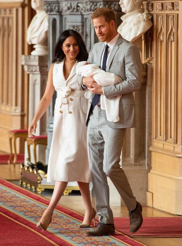 les-premieres-images-du-royal-baby-de-meghan-markle-et-du-prince-harry_1