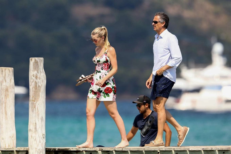 Lady-Kitty-Spencer-and-Michael-Lewis---Spotted-in-St-Tropez-12