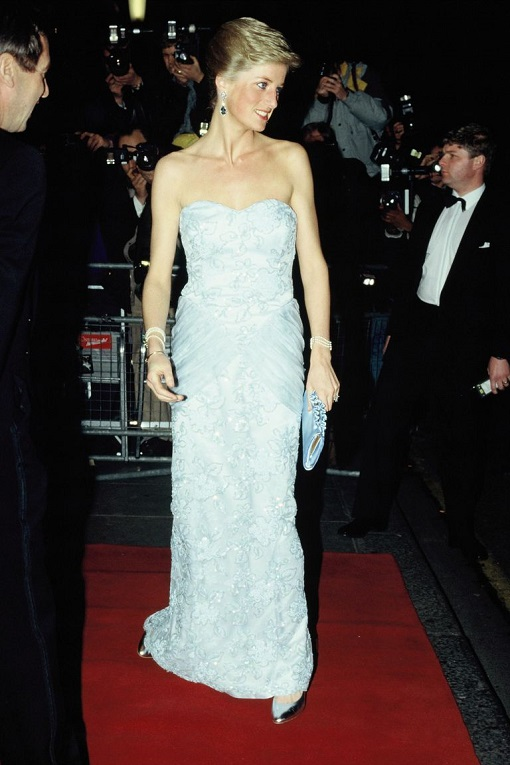 diana-princess-of-wales-attends-a-moulin-rouge-performance-news-photo-1579615787