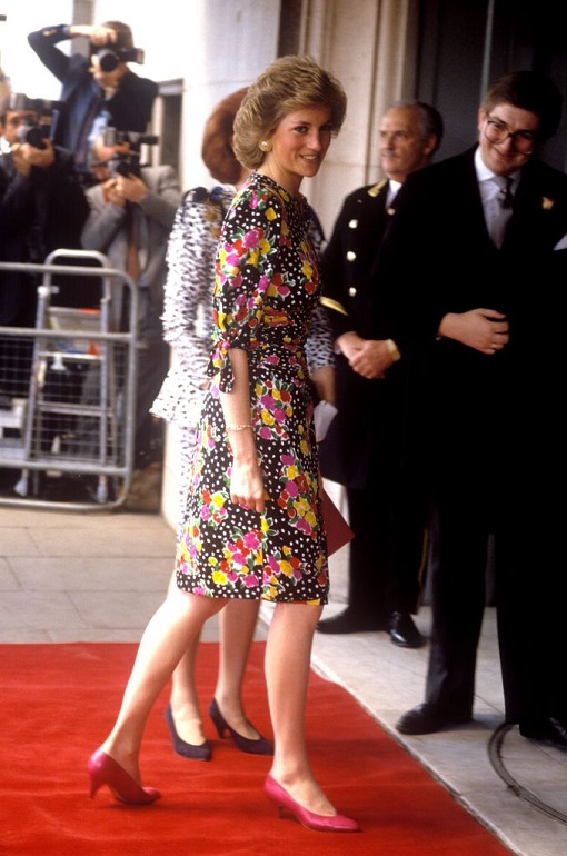 diana-princess-of-wales-savoy-hotel-london-4th-may-1989-news-photo-1579615829