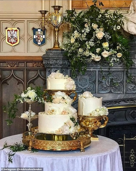 28572214-8335551-Claire_also_shared_this_image_of_the_final_cake_at_Windsor_Castl-a-2_1589889378290