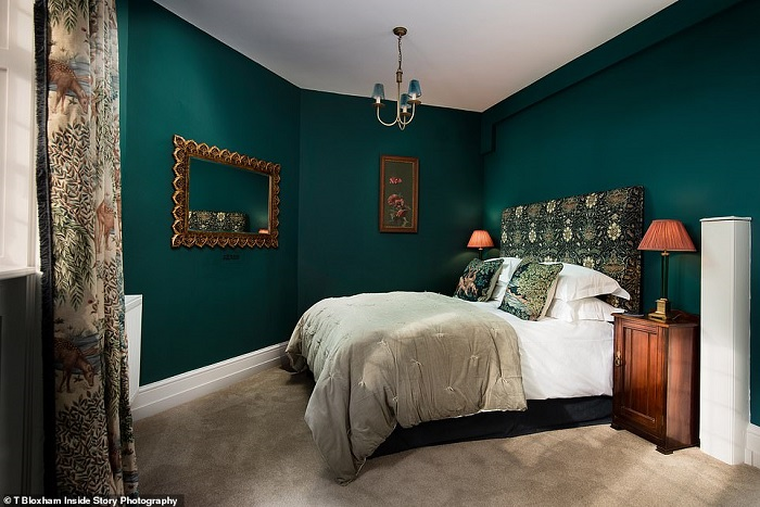 34620416-8860165-This_opulent_double_room_can_be_found_on_the_apartment_s_ground_-a-1_1603891046489