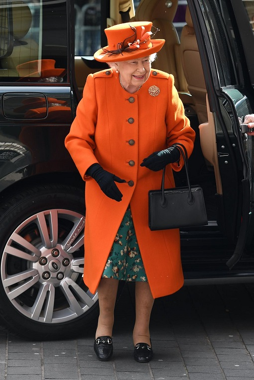 queen-elizabeth-ii-arrives-for-her-to-visit-to-the-science-news-photo-1134224192-1551959567 (1)