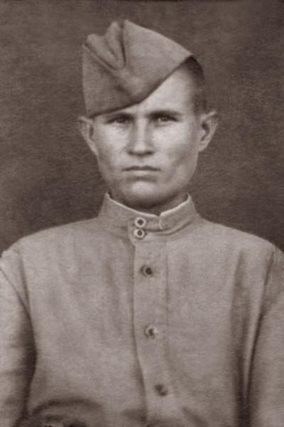 Заки Ахиярович на фронте