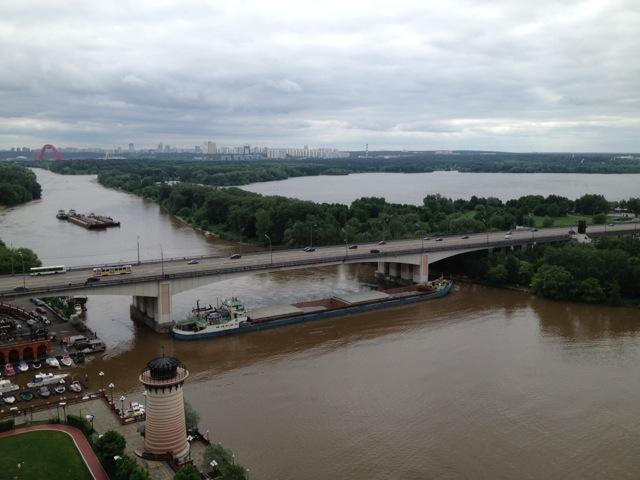 Пробка на Москве-реке_4