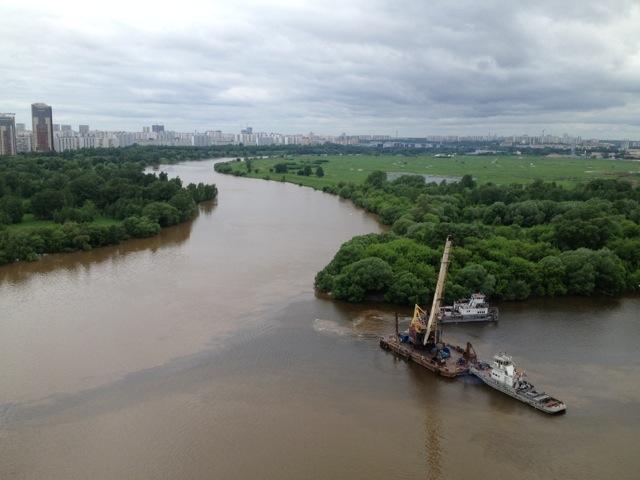 Пробка на Москве-реке_5
